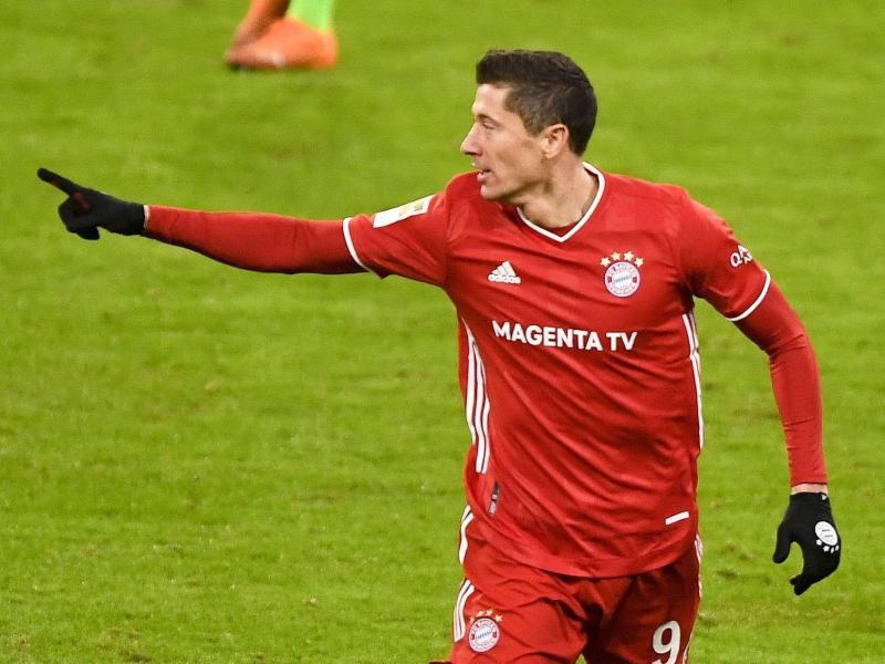 Die Bayern setzen auf Tore von Robert Lewandowski. Foto: Lukas Barth-Tuttas/epa-Pool/dpa
