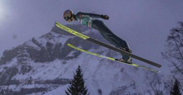 Die Generalprobe für die Vierschanzen-Tournee steigt in der Schweiz, aber ohne Skiflug-Weltmeister Karl Geiger. Foto: Urs Flueeler/KEYSTONE/dpa