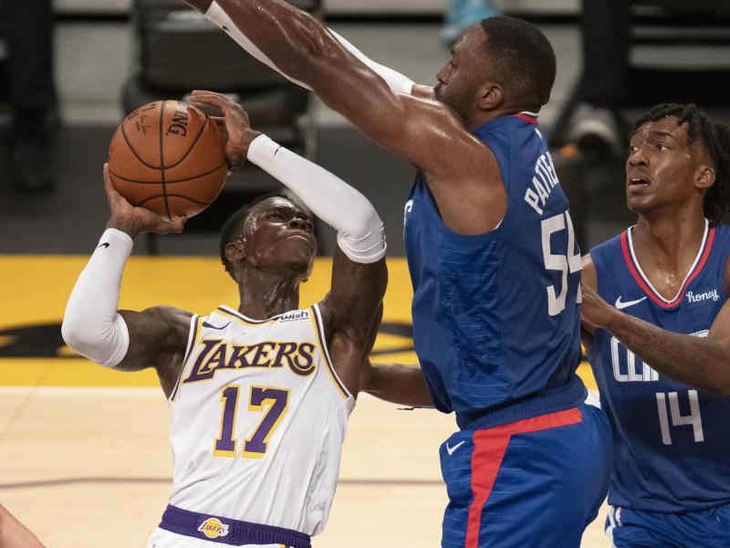 Startet mit den Los Angeles Lakers in die neue NBA-Saison: Dennis Schröder (l). Foto: Kyusung Gong/AP/dpa