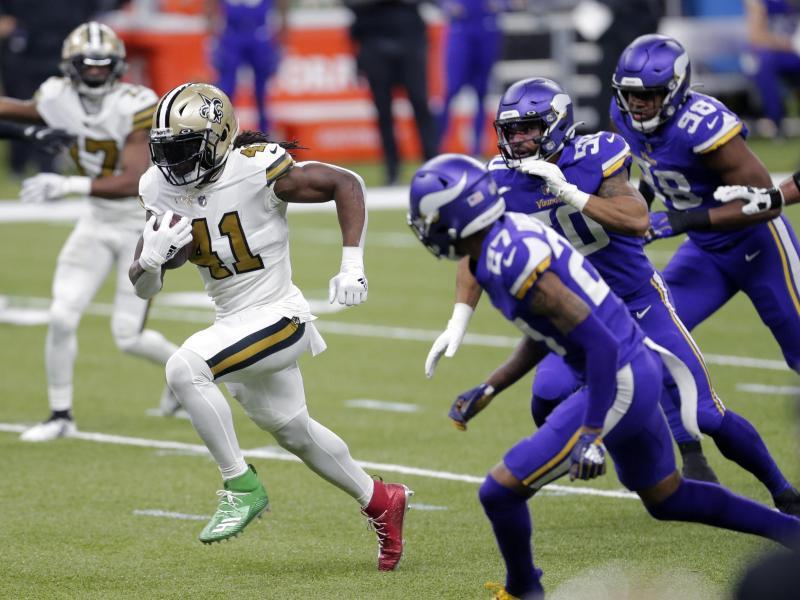 Alvin Kamara (2.v.l) setzte sich mit den New Orleans Saints gegen die Minnesota Vikings durch. Foto: Brett Duke/FR171728 AP/dpa