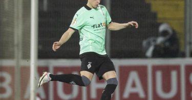 Glaubt nicht, dass Trainer Marco Rose Gladbach nach nur zwei Jahren in Richtung Dortmund verlässt: Matthias Ginter. Foto: Tom Weller/dpa