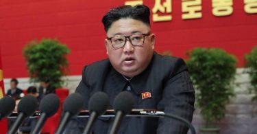 Nordkoreas Machthaber Kim Jong Un droht auf dem Kongress der Partei der Arbeit den USA. Foto: -/KCNA/dpa