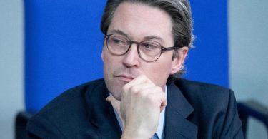 Bundesverkehrsminister Andreas Scheuer weist die gegen ihn erhobenen Vorwürfe zurück. Foto: Kay Nietfeld/dpa