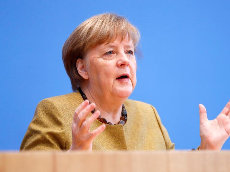 Bundeskanzlerin Angela Merkel (CDU) hat die Fortsetzung des Lockdowns in Deutschland verteidigt. Es ergebe sich derzeit ein sehr gespaltenes Bild, sagte sie am Donnerstag in Berlin. Foto: Fabrizio Bensch/Reuters/Pool/dpa