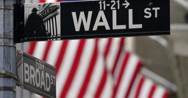 Die Wall Street ist Sitz der New Yorker Börse. Foto: Seth Wenig/AP/dpa