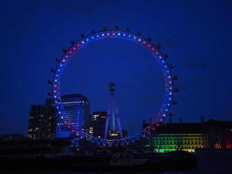 Das London Eye - Ehrung für Captain Tom. Foto: Aaron Chown/PA Wire/dpa