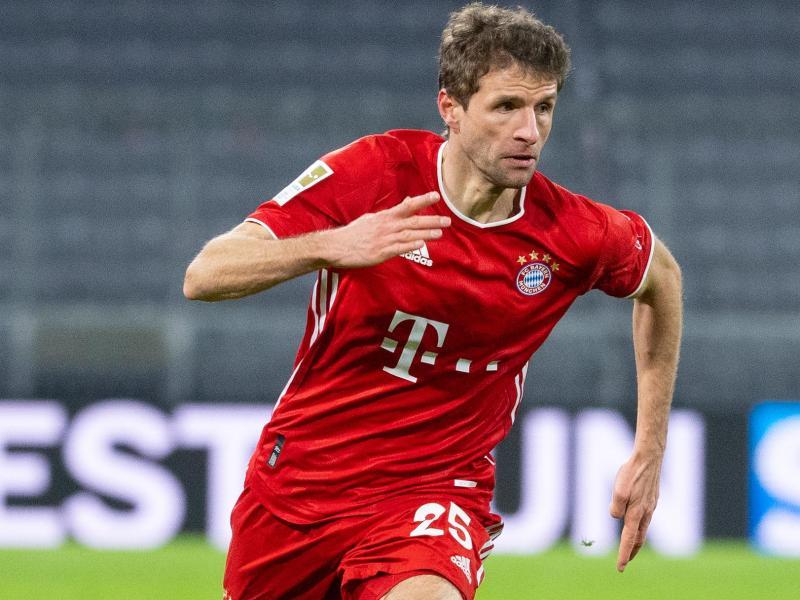 Bayern-Star Thomas Müller freut sich auf das Wiedersehen mit Sami Khedira. Foto: Sven Hoppe/dpa