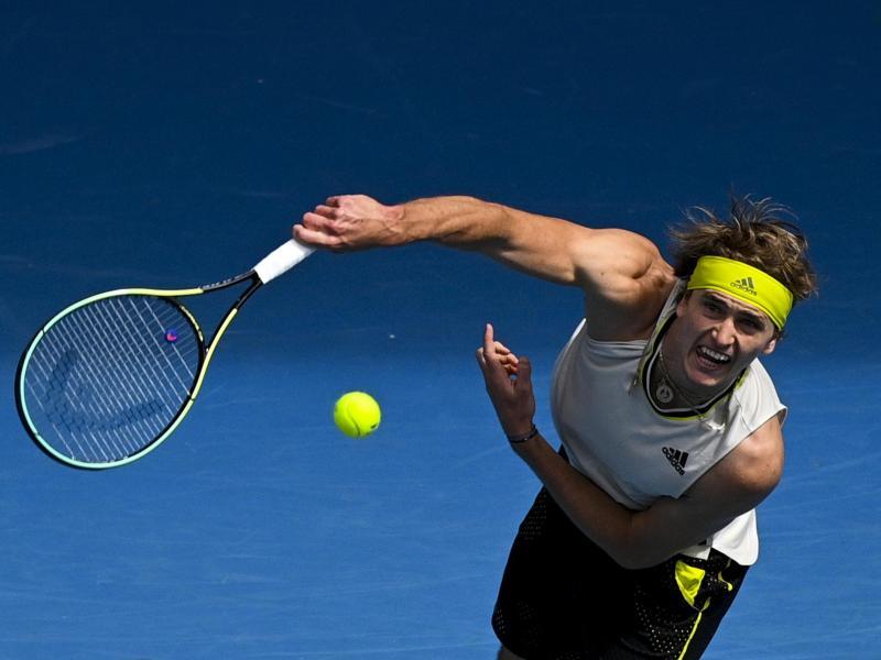 Steht bei den Australian Open in der zweiten Runde: Alexander Zverev in Aktion. Foto: Dean Lewins/AAP/dpa