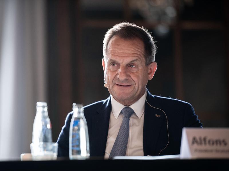 Alfons Hörmann, Präsident des Deutschen Olympischen Sportbundes. Foto: Fabian Strauch/dpa
