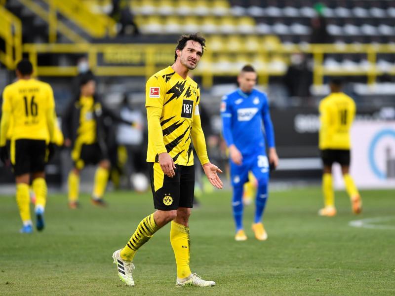 Mats Hummels steht die Enttäuschung nach dem 2:2 des BVBgegen Hoffenheims ins Gesicht geschrieben. Foto: Marius Becker/dpa
