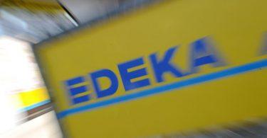 Edeka Südwest ruft die Produkte Hofglück Hackfleisch gemischt (400 Gramm, Verbrauchsdatum 25.2.) sowie Edeka Bio Bioland Hackfleisch gemischt (400 Gramm, Verbrauchsdatum 26.2.) zurück. Foto: Tobias Hase/dpa