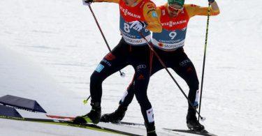 Eric Frenzel und Fabian Rießle holen auf den zehn Kilometern zwar auf, werden am Ende aber nur Vierter und Sechster. Foto: Karl-Josef Hildenbrand/dpa
