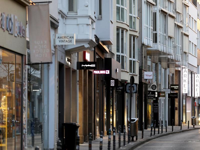 Noch sind die Geschäfte in den Innenstädten geschlossen, eine Mehrheit wünscht sich jedoch die Öffnung. Foto: Oliver Berg/dpa