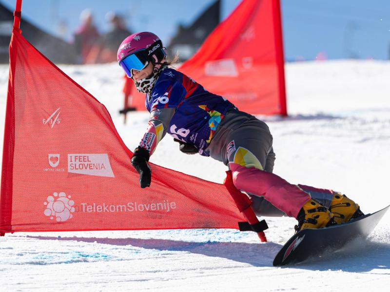 Holt im Parallel-Slalom WM-Silber: Ramona Hofmeister. Foto: Miha Matavz/Miha Matavz Photo & Video/dpa