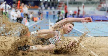 Dreispringer Max Heß hat bei der Hallen-EM den dritten Platz belegt. Foto: Leszek Szymanski/PAP/dpa