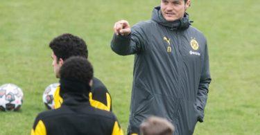 BVB-Trainer Edin Terzic bereitet sein Team auf das Rückspiel gegen den FCSevilla vor. Foto: Bernd Thissen/dpa