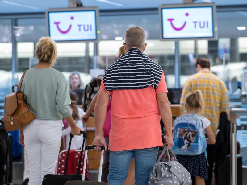 Tui setzt in den bevorstehenden Osterferien auf einen Wiederanlauf des wichtigen Mallorca-Geschäfts. Foto: Peter Steffen/dpa