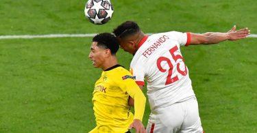 BVB-Youngster Jude Bellingham (l) rückte im Vergleich zum Bayern-Spiel in die Startelf. Foto: Martin Meissner/AP-Pool/dpa