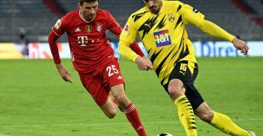 Eine Entscheidung, ob Mats Hummels (r) und Thomas Müller wieder für das DFB-Team nominiert werden, soll erst im Mai gefällt werden. Foto: Sven Hoppe/dpa-POOL/dpa