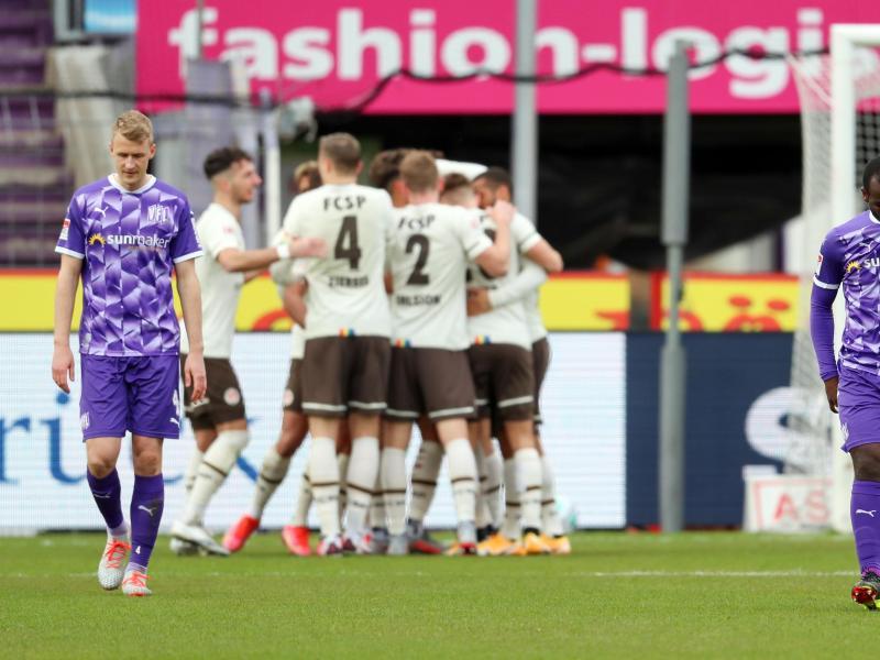 Der FCSt. Pauli nahm drei wichtige Punkte aus Osnabrück mit nach Hamburg. Foto: Friso Gentsch/dpa