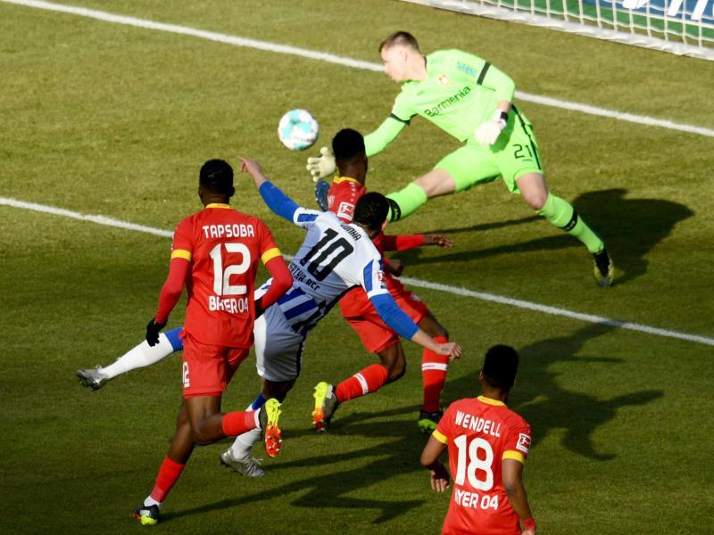 Matheus Cunha (2.v.l.) sorgte beim Hertha-Sieg gegen Leverkusen für die frühe Vorentscheidung. Foto: Annegret Hilse/Reuters/Pool/dpa
