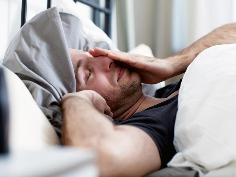 Die Zeitumstellung imFrühjahr ist für viele Menschen hart, fehlt doch in der Nacht, in der die Sommerzeit beginnt, eine Stunde Schlaf. Doch man kann sich selbst auf die Sprünge helfen. Foto: Christin Klose/dpa-tmn