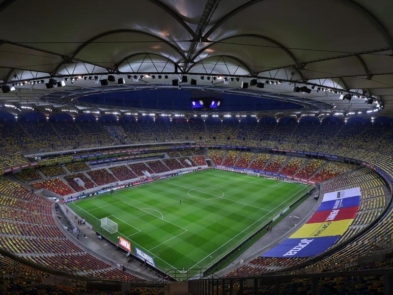 Blick in das Stadion vor dem Spiel. Foto: Stefan Constantin/dpa
