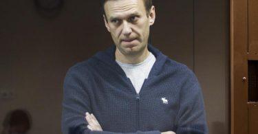 Es wird befürchtet, dass Alexej Nawalny sein rechtes Bein verlieren könnte. Foto: Babuskinsky District Court/AP/dpa