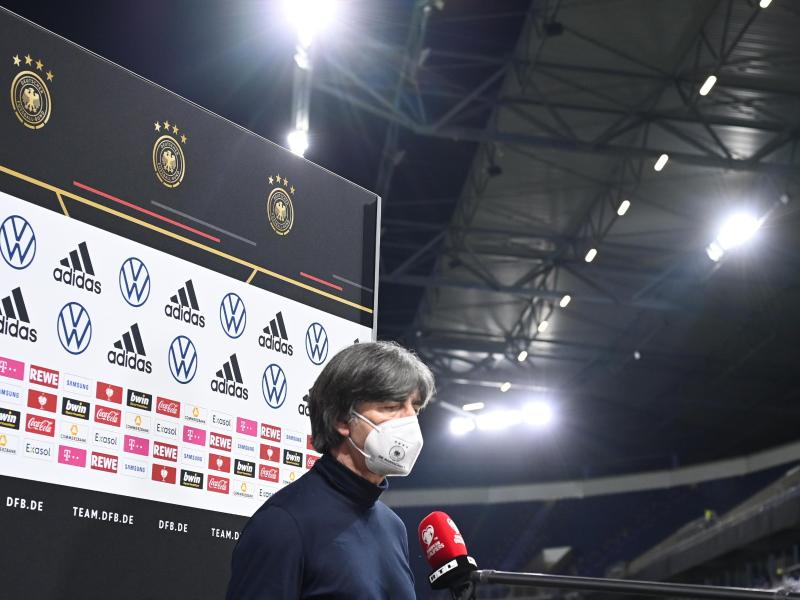 Musste nach der DFB-Blamage gegen Nordmazedonien einige Fragen beantworten:Bundestrainer Joachim Löw. Foto: Federico Gambarini/dpa
