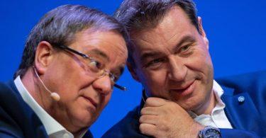 Vertraute Konkurrenten? CDU-Chef Armin Laschet und CSU-Chef Markus Söder gelten als mögliche Kanzlerkandidaten - noch wiegeln beide mehr oder weniger bestimmt ab. Foto: Guido Kirchner/dpa
