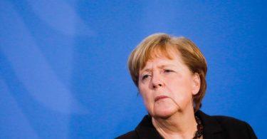 Laut «Bild»-Zeitung denkt auch Kanzlerin Merkel über eine Änderung des Infektionsschutzgesetzes nach. Foto: Markus Schreiber/AP POOL/dpa