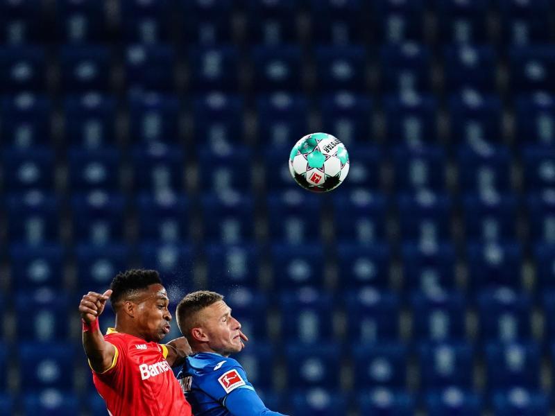 Das Montagsspiel TSG 1899 Hoffenheim gegen Bayer Leverkusen endete als Nullnummer. Foto: Uwe Anspach/dpa