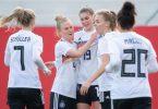 Deutschlands Spielerinnen haben das Länderspiel gegen Norwegen mit 3:1 gewonnen. Foto: Sebastian Gollnow/dpa