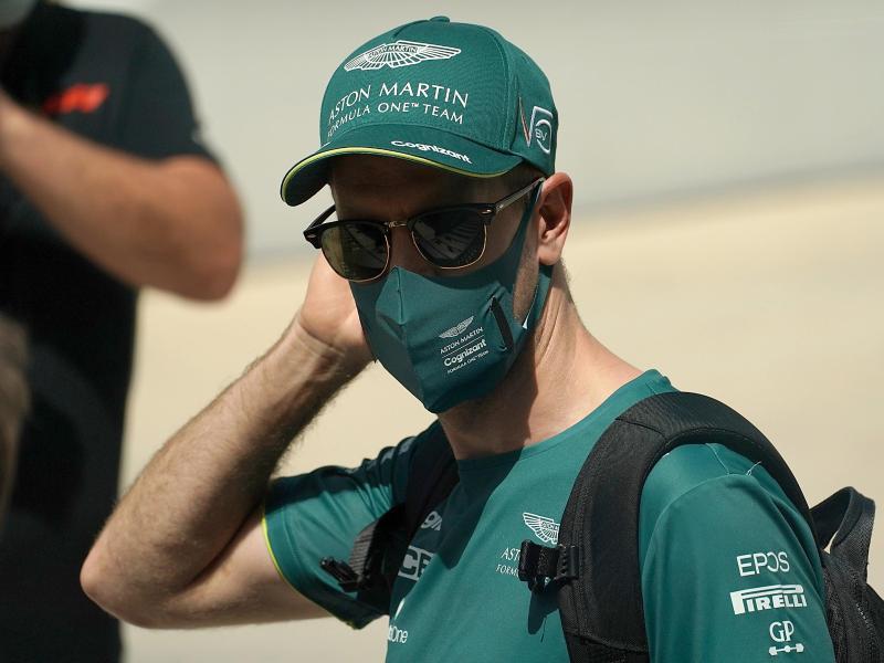 Schöpft nach dem frustrierenden Auftakt in Bahrain neuen Mut: Sebastian Vettel. Foto: Hasan Bratic/dpa