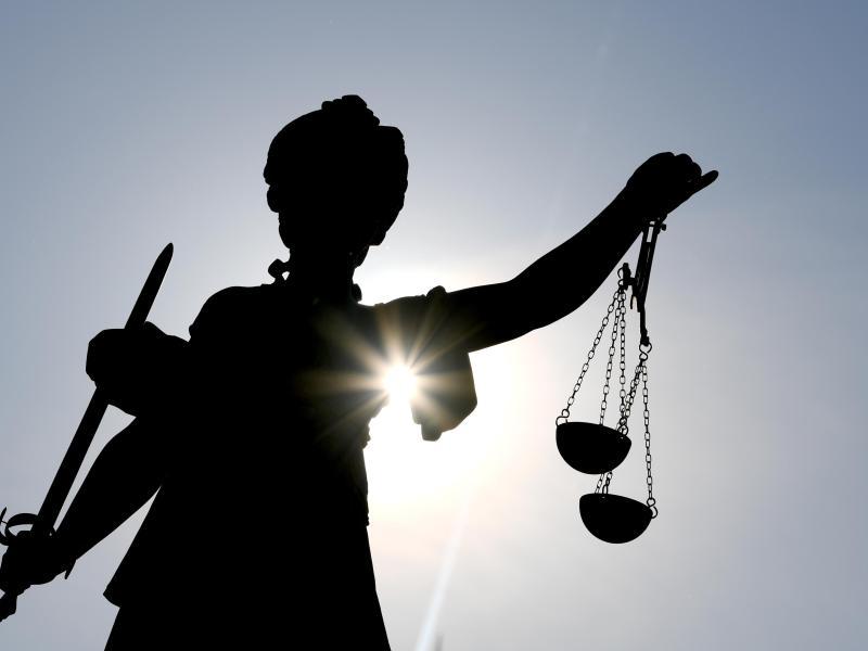 Der Bundesfinanzhof hat sich mit einer Klage zum Betreuungsfreibetrag beschäftigt. Laut Urteil kann der nicht immer übertragen werden. Foto: Arne Dedert/dpa/dpa-tmn