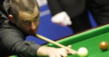 Beim Snooker, der komplexeren Variante des Billards, ist Ronnie O'Sullivan aus England einer der Topstars. Foto: Craig Brough/XinHua/dpa