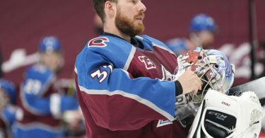 Torwart Philipp Grubauer von den Colorado Avalanche steht auf der Corona-Liste der NHL. Foto: David Zalubowski/AP/dpa