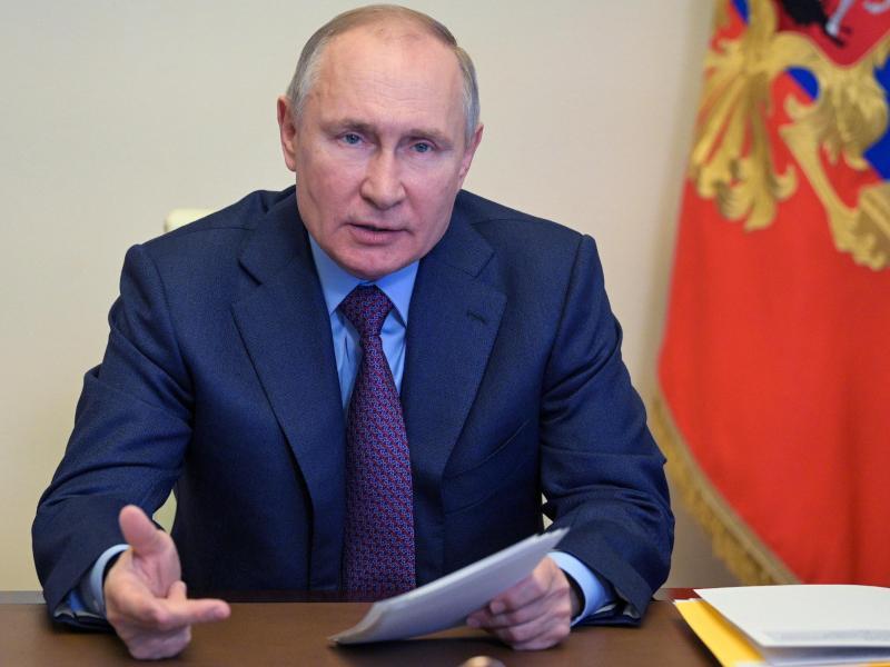 Als Reaktion auf die Ausweisung von zehn russischen Diplomaten aus den USA und drei aus Polen wird Russland insgesamt 13 Diplomaten der beiden Staaten des Landes verweisen. Foto: Alexei Druzhinin/Pool Sputnik Kremlin/AP/dpa