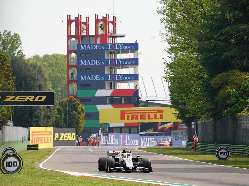 Haas-Pilot Mick Schumacher wurde 18. der Qualifikation. Foto: Hasan Bratic/dpa
