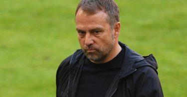 Trainer Hansi Flick hat angekündigt den FCBayern München zum Ende der Saison verlassen zu wollen. Foto: Andreas Gebert/Reuters-Pool/dpa