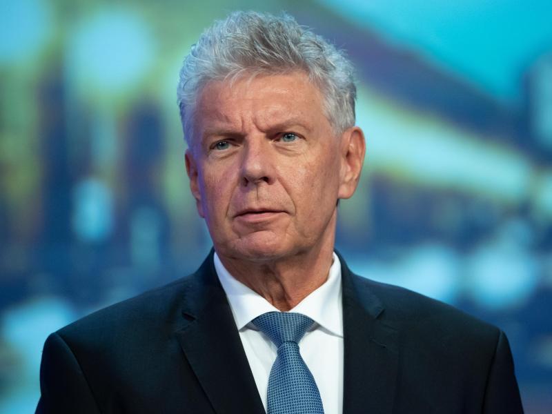 Münchens Oberbürgermeister Dieter Reiter kann keine Zuschauer-Garantie für die EM abgeben. Foto: Sven Hoppe/dpa