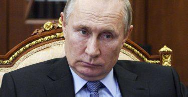 Wladimir Putins Regierung ist mit angespannten internationalen Beziehungen konfrontiert. Die Schuld sieht der Kreml aber nicht bei sich. Foto: Alexei Druzhinin/Pool Sputnik Kremlin/dpa