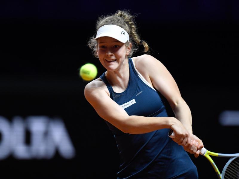 Schaffte in Stuttgart nicht den Sprung in die zweite Runde: Julia Middendorf. Foto: Thomas Kienzle/AFP/Pool/dpa