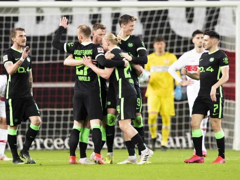 Der VfL Wolfsburg feierte einen souveränen Auswärtssieg beim VfB Stuttgart. Foto: Tom Weller/dpa