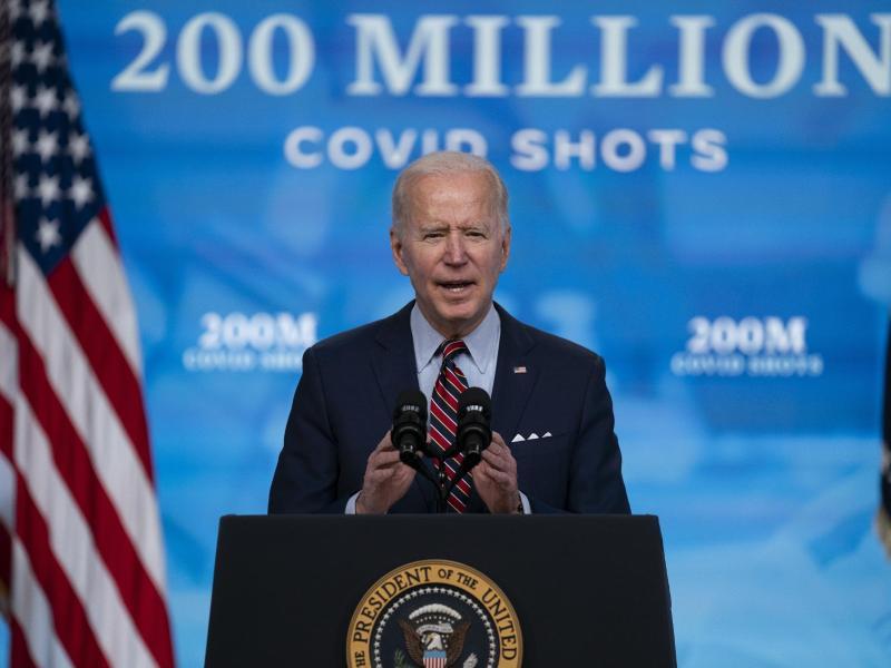 US-Präsident Joe Biden erreicht mit seiner Kampagne das Ziel von 200 Millionen Corona-Impfungen. Foto: Evan Vucci/AP/dpa