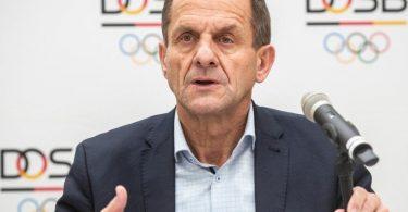 Alfons Hörmann fürchtet durch die Bundesnotbremse in der Corona-Krise weitere schwere Folgen für den Sport. Foto: Frank Rumpenhorst/dpa