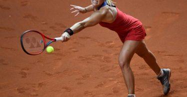 Verpasste in Stuttgart den Einzug ins Viertelfinale: Angelique Kerber. Foto: Thomas Kienzle/AFP-Pool/dpa