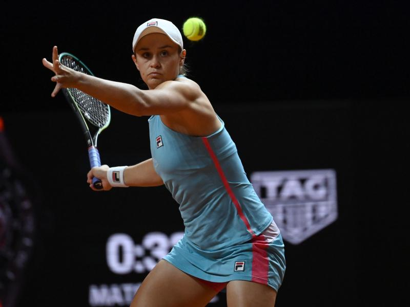 Steht in Stuttgart im Halbfinale: Ashleigh Barty. Foto: Marijan Murat/dpa