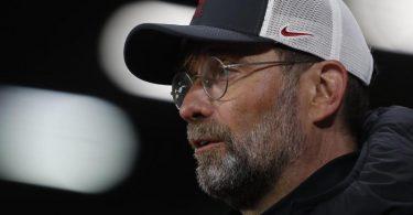 Liverpools Trainer Jürgen Klopp ist froh, dass die Pläne zur Super League gescheitert sind. Foto: Lee Smith/POOL Reuters/AP/dpa