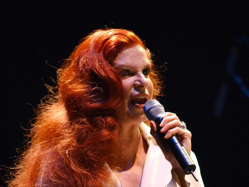 Milva bei einem Konzert in Lübeck (2005). Deutsch nannte sie einmal ihre zweite Muttersprache. Foto: Wolfgang Langenstrassen/dpa